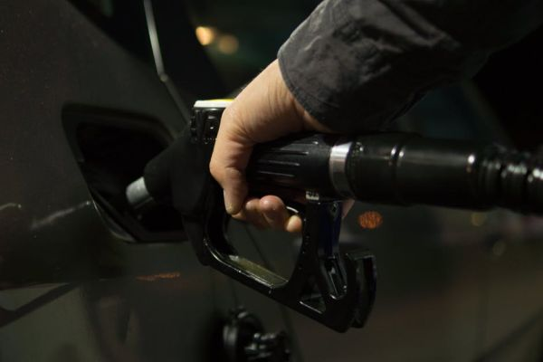 Gas prices in area remain stable but should take seasonal slide